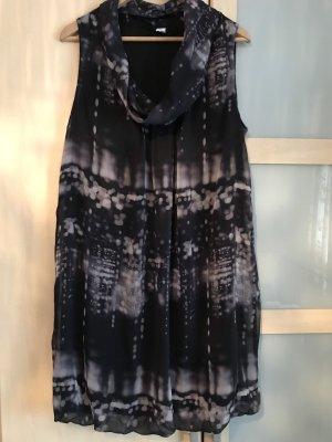 M&S | kaum getragenes, modernes Batik-Kleid