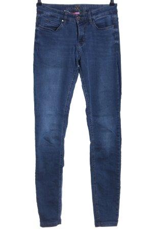 MAC Jeans Vaquero pitillo azul look casual