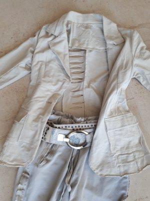 Made in Italy Blazer, Hose und Gürtel