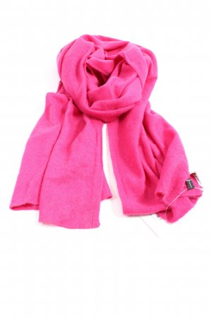 Madeleine Cashmere Scarf pink casual look