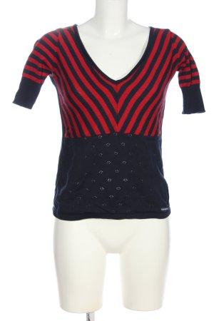 Mademoiselle YéYé V-Ausschnitt-Shirt schwarz-rot Streifenmuster Casual-Look
