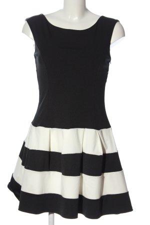 Madonna A-Linien Kleid schwarz-wollweiß Streifenmuster Elegant