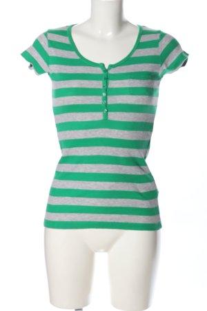 Madonna Ringelshirt hellgrau-grün Streifenmuster Casual-Look