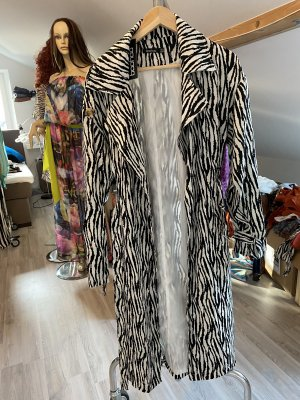 Boohoo Manteau en duvet noir-blanc