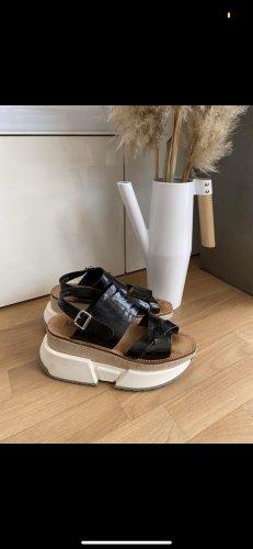 Maison Martin Margiela MM6 Ledersandalen 39-40 UK 6-7 26,5 cm sportlich Lackleder Kork Turnschuh-Sohle schwarz