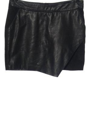 Maison Scotch Falda de cuero negro look casual