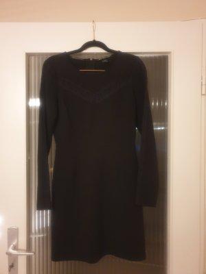 Maison Scotch tailliertes Kleid, hübsche Spitzendetails