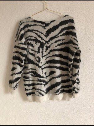 Maje Knitted Sweater black-white