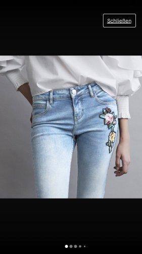 Maje Jeans mit Stickerei neu