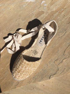 Manebi Flat Sandals Yukatan