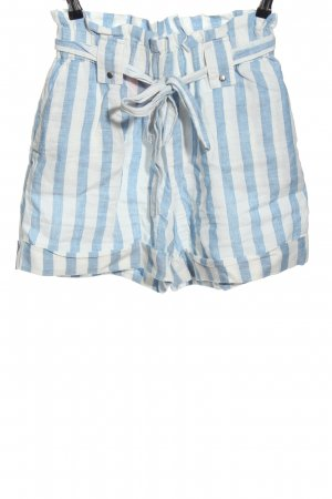 Mango casual High-Waist-Shorts blue-white striped pattern casual look