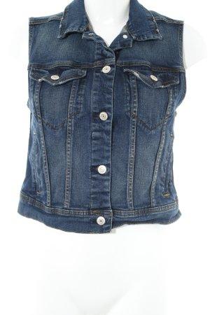 Mango Jeansweste blau Street-Fashion-Look