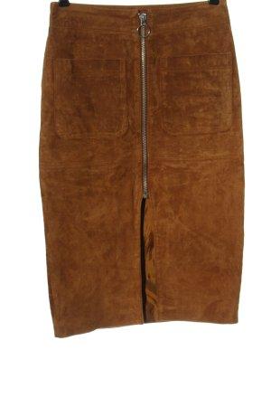 Mango Falda de cuero marrón look casual