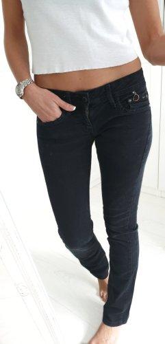 Mango Jeansy z prostymi nogawkami czarny