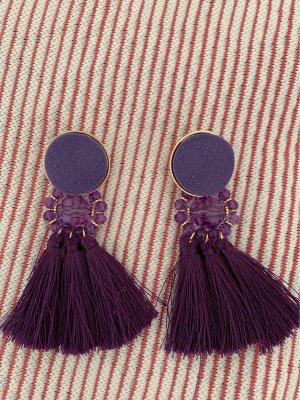 Mango Boucle d'oreille incrustée de pierres violet foncé-doré