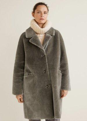 Mango Premium Mantel aus Kunstfell mit Knöpfen Fake Fur Grau Graubraun Gr. 36 / S - NEU!