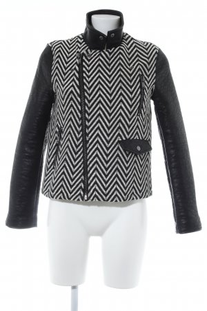 Mango Suit Kunstlederjacke schwarz-weiß Zackenmuster Casual-Look