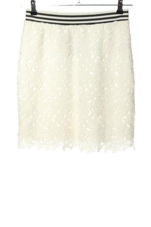 Manguun Falda de encaje blanco-negro look casual