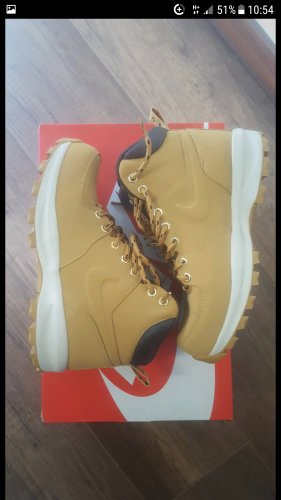 Nike Booties sand brown