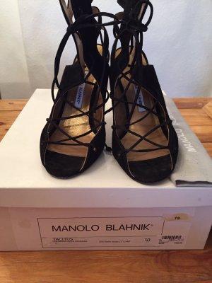 Manolo Blahnik Tacones con cordones negro