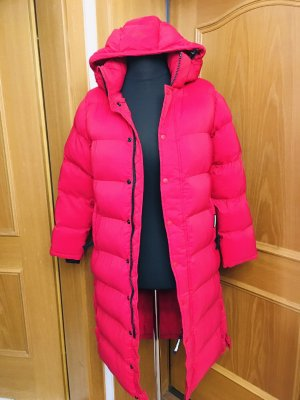 Manteau en duvet rouge