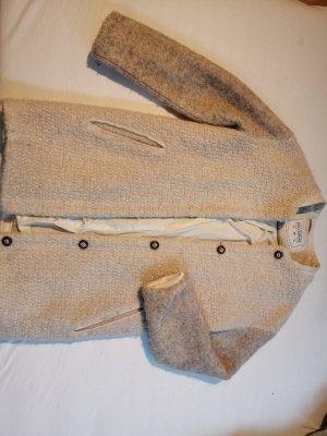 Pull & Bear Kurtka zimowa w kolorze białej wełny-kremowy