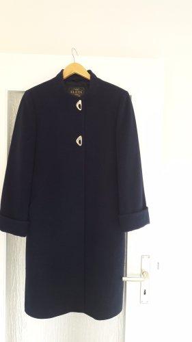 Manteau d'hiver bleu foncé