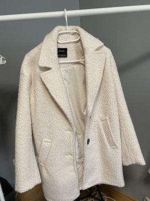 Bershka Wełniany płaszcz w kolorze białej wełny