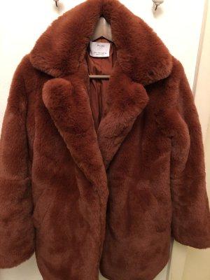 Mantel aus Kunst-Fell