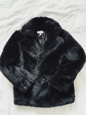 Mantel aus Kunstfell Black Faux Fur Coat von &otherstories