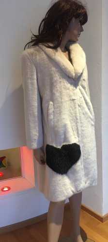 Mantel aus Pelzimitat