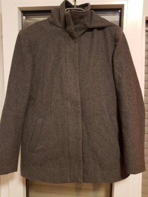 Manteau à capuche gris foncé