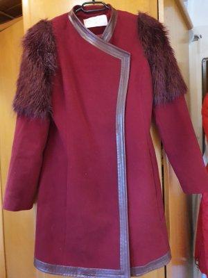 Cappotto in eco pelliccia bordeaux