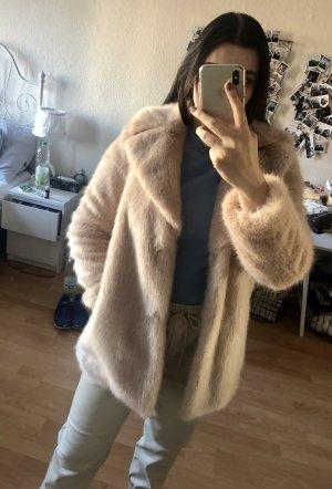 Mantel Fake Fur in rosé