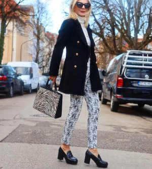 Mantel im Chanel Style aus Paris