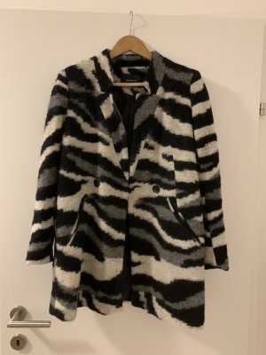 Mantel im Zebramuster