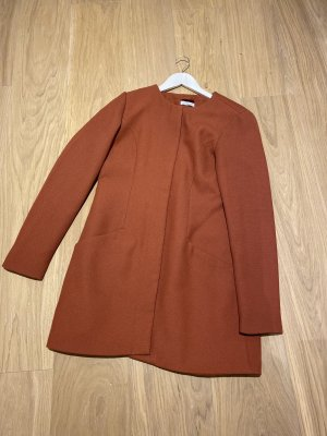 Mantel in rostyred