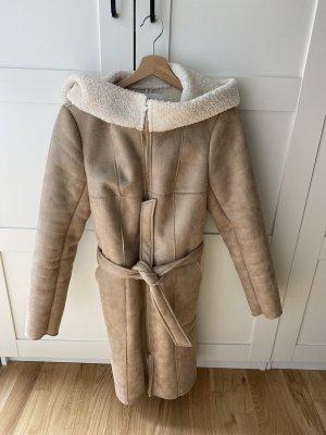 Mantel in Schaffelloptik