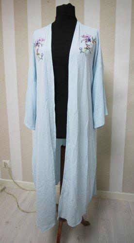 Długi płaszcz jasnoniebieski