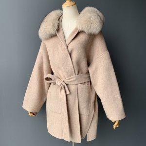 Manteau de fourrure chameau-beige cachemire