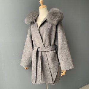 Manteau de fourrure gris-gris foncé cachemire