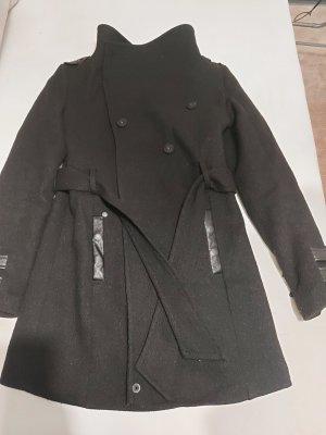 Mantel Khuju Brand