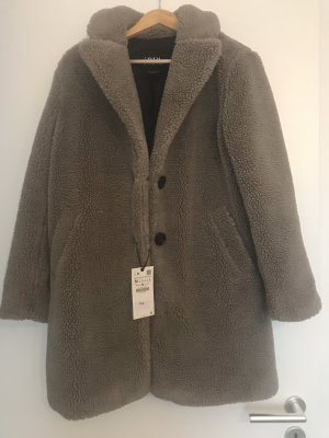 Mantel Lammfellimitat von Zara