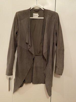 Gestuz Cappotto in pelle grigio-grigio chiaro