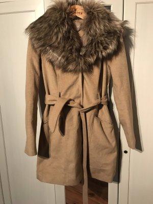 Mantel mit abnehmbaren Fell von Orsay Gr.36