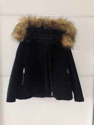 Mantel mit Fell von Zara