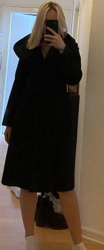 Mantel mit großer Kapuze in schwarz