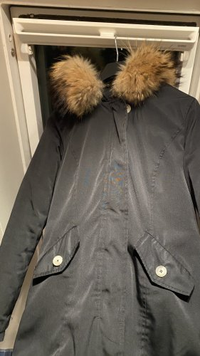 Attentif Manteau de fourrure noir