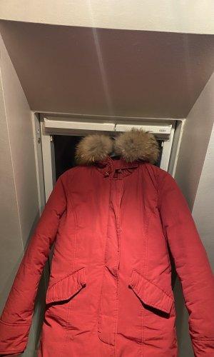 Mantel mit Pelz an der Kapuze