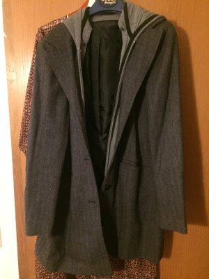 Mantel oder Jacke mit abnehmbare Kaputze
